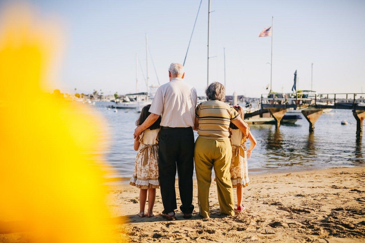 Cómo reclamar el complemento de maternidad también para padres pensionistas